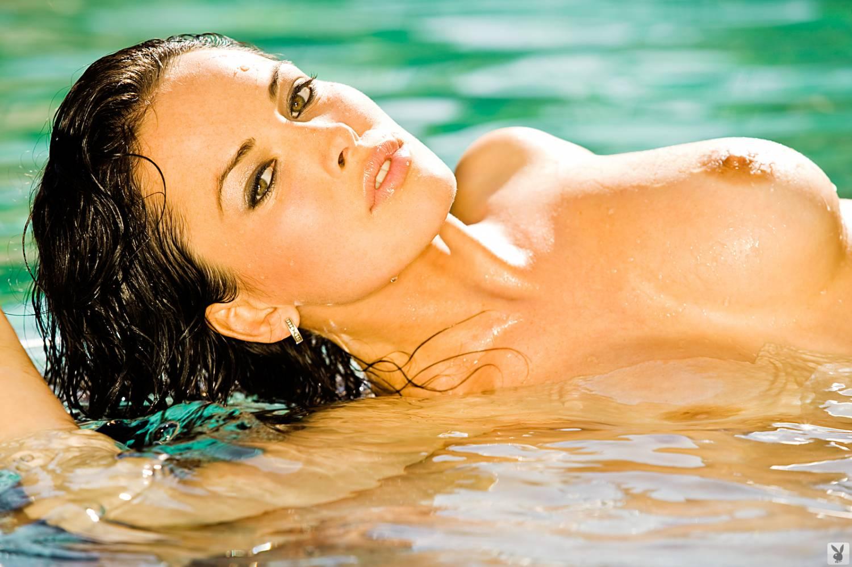 порно журнал в бассейне